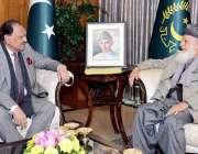 اسلام آباد: صدر مملکت ممنون حسین سے ڈاکٹر سید سلمان ندوی ملاقات کر رہے ..