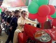 کراچی: پاکستان تحریک انصاف کے رہنما حلیم عادل شیخ ممبر سازی کے لیے تیار ..