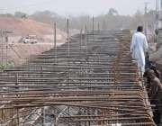 اسلام آباد: کھنہ پل میں سگنل فری ایکسپریس وے کھنہ پل پر مزدور لنک روڈ ..