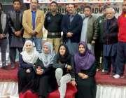 پشاور: اے ایس پی حیات کیپٹن نجم کا ایونٹ میں شریک خواتین کھلاڑیوژ کے ..