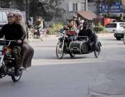 راولپنڈی: سخت پابندی کے باوجود کمسن بچہ بائیک چلاتے ہوئے مری روڈ سے ..