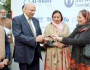 لاہور: گورنر پنجاب چوہدری محمد سرور کو الخیر فاؤنڈیشن کی کنٹری ہیڈ ..