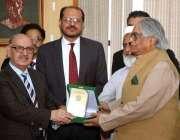 اسلام آباد: وزیراعظم کے مشیر عرفان صدیقی کو چیئرمین نیشنل لینگوئج پروموشن ..
