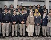 لاہور: جسٹس (ر) ناصرہ جاوید اقبال اور ڈی آئی جی مرزا فاران بیگ کا موٹروے ..