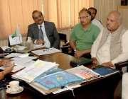 راولپنڈی: ایڈیشنل ڈپٹی کمشنر (ہیڈ کوارٹر) صائمہ یونس شجرکاری کے ذریے ..
