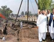 پشاور: خیبر پختونخوا کے وزیر مواصلات اکبر ایوب خان ناگمان پل چار سدہ ..