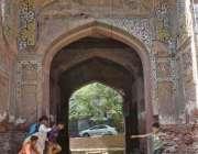 لاہور: زیب النساء کے تاریخی مقبرہ خستہ حالی کا شکار ہے انتظامیہ کی توجہ ..