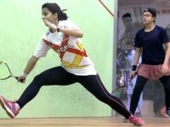 ISLAMABAD: Noor ul Huda and Amna Fayyaz in action during the 4th quarter final of Pakistan Squash Circuit-l women's event at Mushaf Squash Complex.