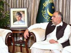 ISLAMABAD: Speaker, National Assembly Asad Qaiser and Speaker, Khyber Pakhtunkhwa Assembly Mushtaq Ghani called on President Dr. Arif Alvi at the Aiwan-e-Sadr.