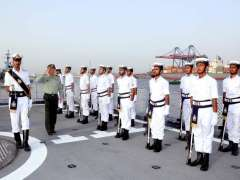 KARACHI: A smartly turned out contingent of Pakistan Navy present Guard of Honour to Vice Chairman of Chinese Central Military Commission General Zhang Youxia upon arrival onboard ship.