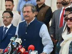 ISLAMABAD: Federal Minister for Education Shafqat Mahmood talking to media at Mazar-e-Quaid.