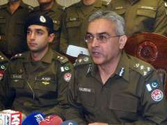 LAHORE: DIG Investigation Syed Khurram Ali addressing a press conference.