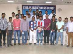 FAISALABAD: A group photo of newly elected office bearers of News Cameraman Associations at Press Club.
