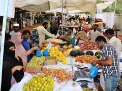 MULTAN: A large number of people purchasing different items from Sasta Ramzan Bazaar on first Holy Month of Ramzanul Mubarak.
