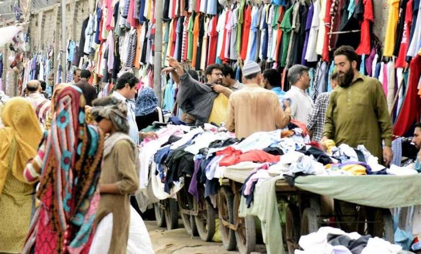 سردی شروع ہوتے ہی لنڈے بازار میں کپڑوں کی قیمتوں کو آگ لگ گئی