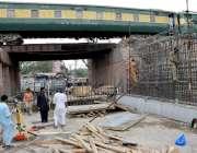 لاہور: صوبائی دارالحکومت میں دو موریہ پل کی دوبارہ تعمیر کے لیے کام ..