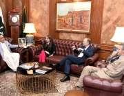 کراچی: گورنر سندھ عمران اسماعیل برطانوی ڈپٹی کمشنر ایلن برنز اور رائل ..