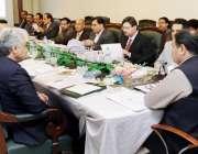 لاہور: وزیر اعلیٰ عثمان بزدار کابینہ سٹینڈنگ کمیٹی برائے فنانس اینڈ ..