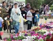 کراچی: ڈی ایچ اے کے زیر اہتمام سالانہ فلاور شو میں خواتین اور بچوں کی ..