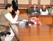 اسلام آباد: وزیر اعظم عمران خان چینی بزنس کمیونٹی کے وفد سے خطاب کر ..
