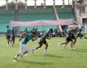 لاہور: قذافی اسٹیڈیم میں جاری پری سیزن کیمپ میں کھلاڑی شریک ہیں۔