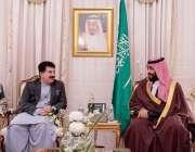 اسلام آباد: سعودی ولی عہد محمد بن سلمان اور چیئرمین سینیٹر محمد صادق ..