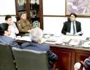 لا ہور: کمشنر لاہور ڈویژن آصف بال لودھی انسداسموگ کے حوالے سے جائزہ ..