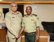 راولپنڈی: آرمی چیف جنرل قمر جاوید باجوہ اور زمبابوے کے آرمی چیف ملاقات ..