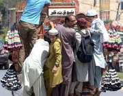 راولپنڈی: مدرسہ کے طالبعلم چھٹی کے بعد خطرناک انداز سے سوزوکی پک اپ ..