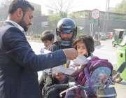 لاہور: البیراک کے زیر اہتمام کلیم اینڈ گرین مہم کے سلسہ میں منی مارکیٹ ..