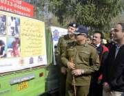 لاہور: سی ٹی او کیپٹن (ر) لیاقت علی ملک حادثات سے بچائے کے لیے آگاہی مہم ..