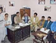 لاہور پیپلز پارٹی زون149کے صدر اکبر ہرا کارنر میٹنگ سے خطاب کر رہے ہیں۔