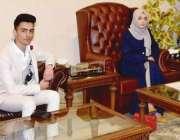 مظفر آباد: صدر آزاد کشمیر سردار مسعود خان سے مس مزدلفہ احمد کی سربراہی ..