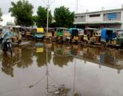 حیدر آباد: بارش کے بعد ریلوے اسٹیشن کے سامنے پانی جمع ہے۔