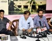 حیدر آباد: ڈائریکٹر پروڈیوسر مظہر اقبال پریس کلب میں پریس کانفرنس کر ..