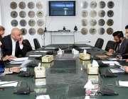 اسلام آباد: وزیر اعظم کے معاون خصوصی برائے کامرس اینڈ ٹیکسٹائل عبدالرزاق ..