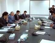 اسلام آباد: وزیر اعظم کے معاون خصوصی برائے ٹیکسٹائل انڈسٹری عبدالرزاق ..