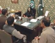 قصور: ڈپٹی کمشنر صاحبزادی وسیمہ عمر سے ٹیچر یونین کا وفد ملاقات کر رہا ..