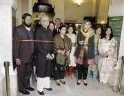 لاہور: وزیر مملکت برائے ماحولیاتی تبدیلی زرتاج گل وزیر صادقین کی یاد ..