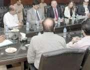 لاہور : صوبائی وزیر ہاؤسنگ میاں محمودالرشید سے کینیڈا کی تعمیراتی فرم ..