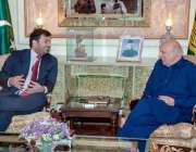 لاہور: گورنر پنجاب چوہدری محمد سرور سے چیئرمین ٹیوٹا پنجاب حافظ فرحت ..