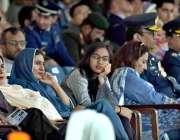 رسالپور: - اصغر خان پی اے ایف اکیڈمی میں گریجویشن تقریب میں شریک افراد ..