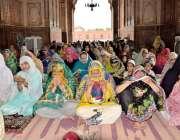 لاہور:تاریخی بادشاہی مسجد میں ماہ صیام کے دوسرے جمعةالمبارک کی نماز ..