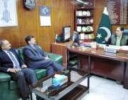 کوئٹہ: کوپٹہ چیمبر آف کامرس اینڈانڈسٹری کے صدر جمعہ خان بادزئی سے این ..