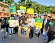 اسلام آباد: وزیراعظم کے مشیر برائے موسمیاتی تبدیلی ملک امین اسلم کلائمینٹ ..