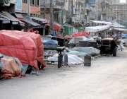 راولپنڈی: نمک منڈی روڈ پر تجاوزات مافیا رات کو بھی اپنے سٹال سڑک کے ..