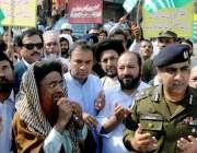 راولپنڈی:ممبر قومی اسمبلی شیخ راشد شفیق ڈی سی او محمد علی رنداوا ڈسڑکٹ ..