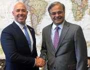 واشنگٹن: پاکستان کے سفیر ڈاکٹر اسد ایم خان، کانگرس کے رکن برائن ماسٹ ..