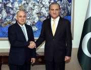 اسلام آباد: وزیر خارجہ مخدوم شاہ محمود قریشی دفتر خارجہ میں ہند ویٹیکن ..