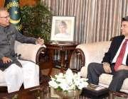 اسلام آباد: صدر ڈاکٹر عارف علوی نے وفاقی وزیر بیرسٹر ڈاکٹر محمد فروغ ..